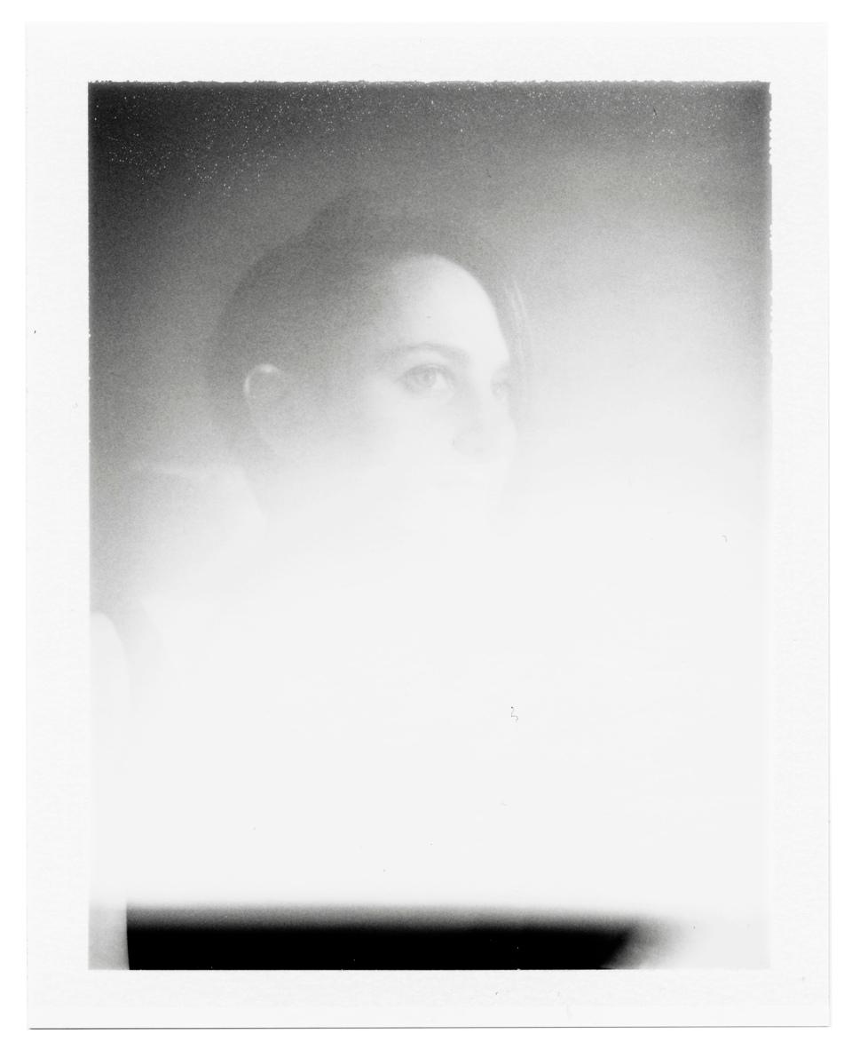 Miri Dainson, Portrait Leak, Hans Purwa